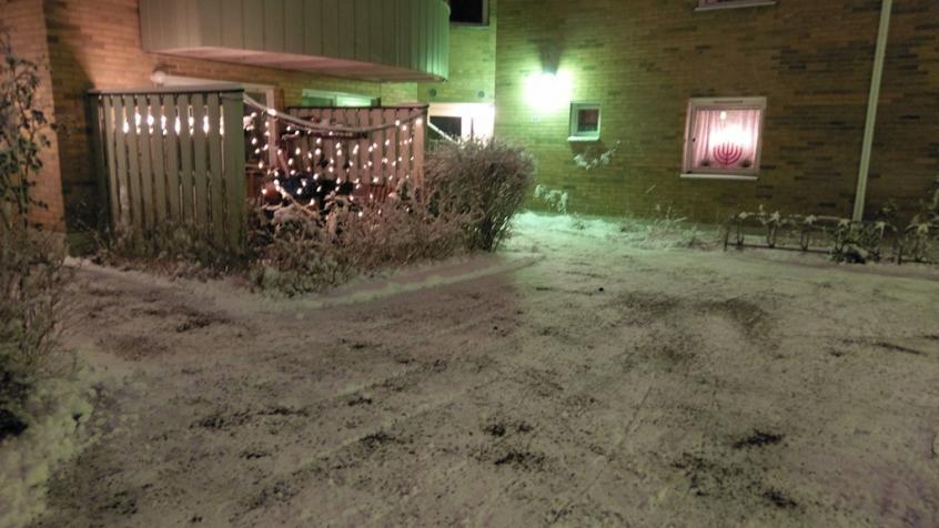 Snön röjd och sandning utförd för bostadsrättsföreningen Dragontorpet i Sollentuna