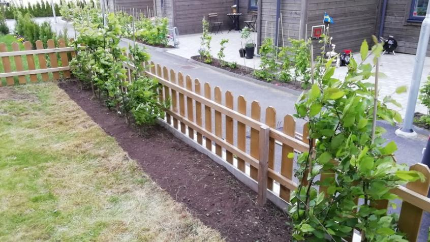 Gräsklippning och ogräsrensning utförd i Knivsta