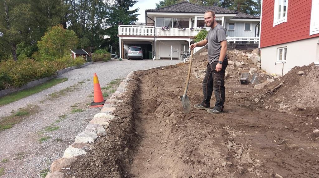 Planteringsdiket klart - dags att fylla på med ny jord
